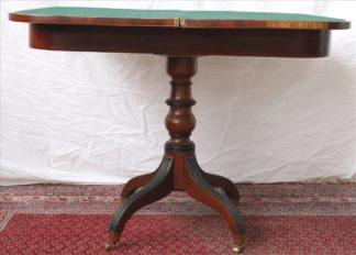 0152-Spieltisch